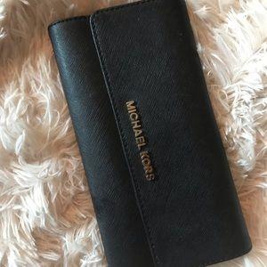 Trifold Michael Kors wallet